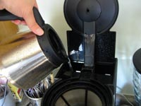 how-to-clean-coffee-maker-filter