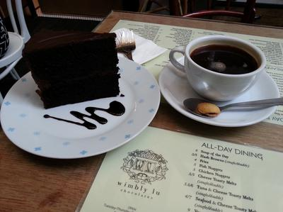 Coffee and Cake | Wimbly Lu | Singapore